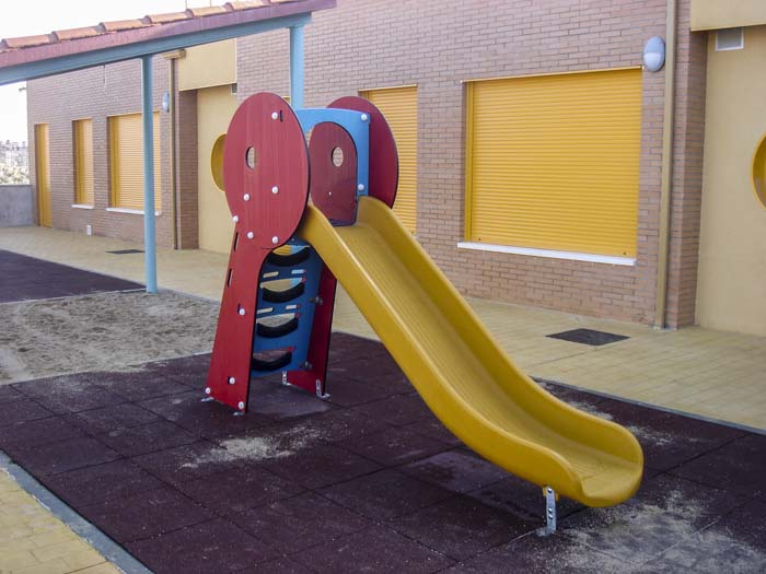 http://colegiotempranales.com/images/tempranales/centro/patios/Cole_005.jpg