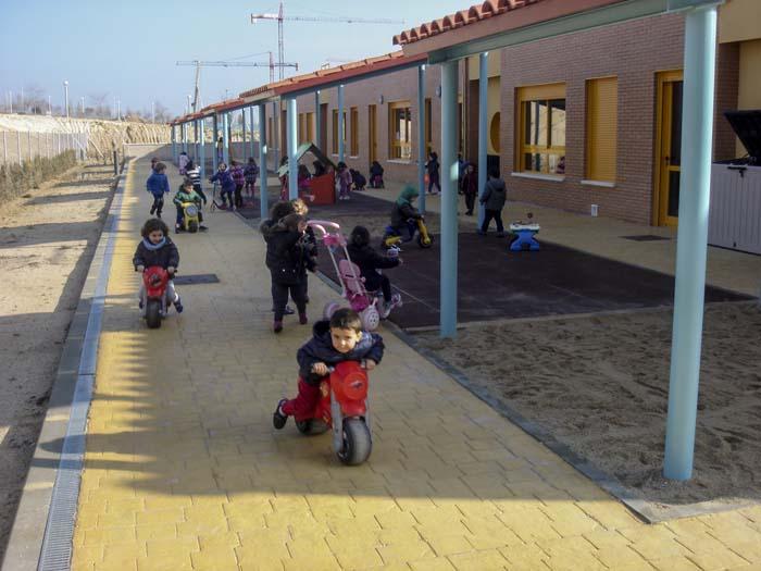 http://colegiotempranales.com/images/tempranales/centro/patios/Cole_049.jpg