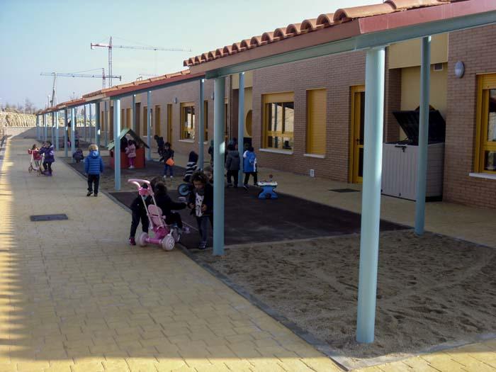 http://colegiotempranales.com/images/tempranales/centro/patios/Cole_050.jpg