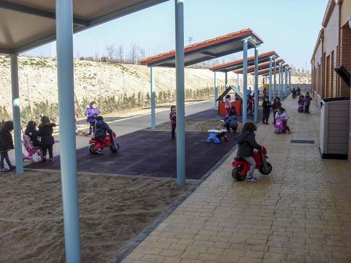 http://colegiotempranales.com/images/tempranales/centro/patios/Cole_051.jpg