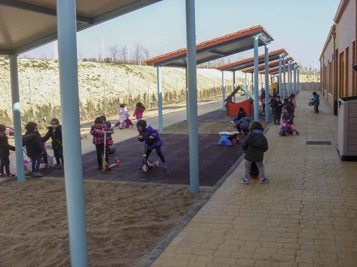 http://colegiotempranales.com/images/tempranales/centro/patios/Cole_052.jpg